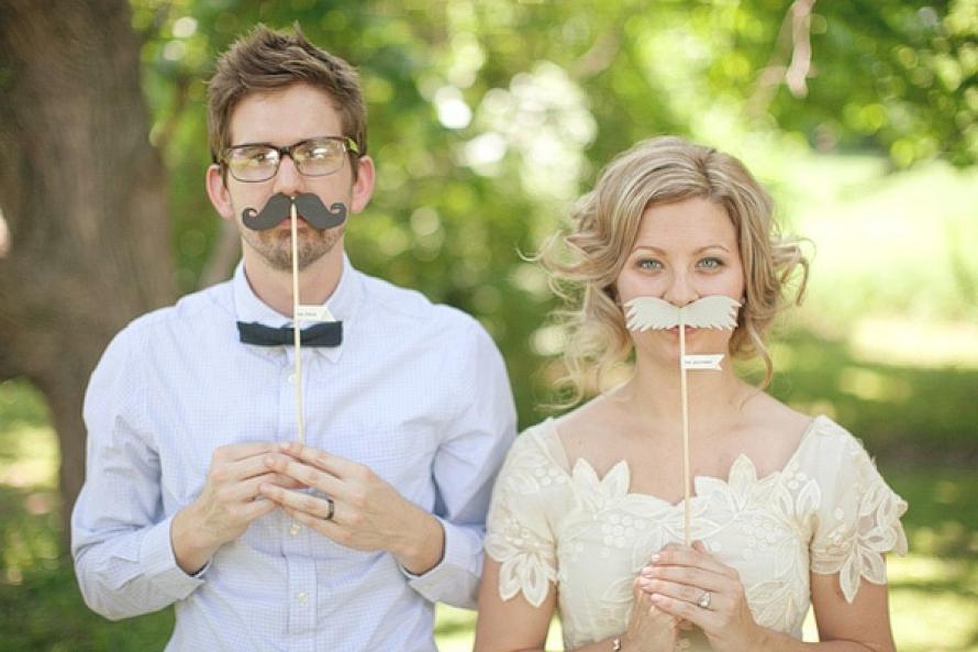 Los bigotes de Movember en tu boda