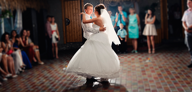 12 canciones románticas ideales para tu bodas