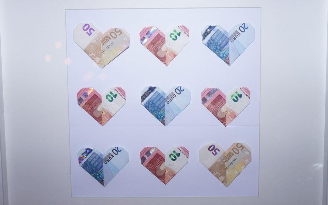 Como envolver el dinero para entregar a los novios: 4 ideas originales