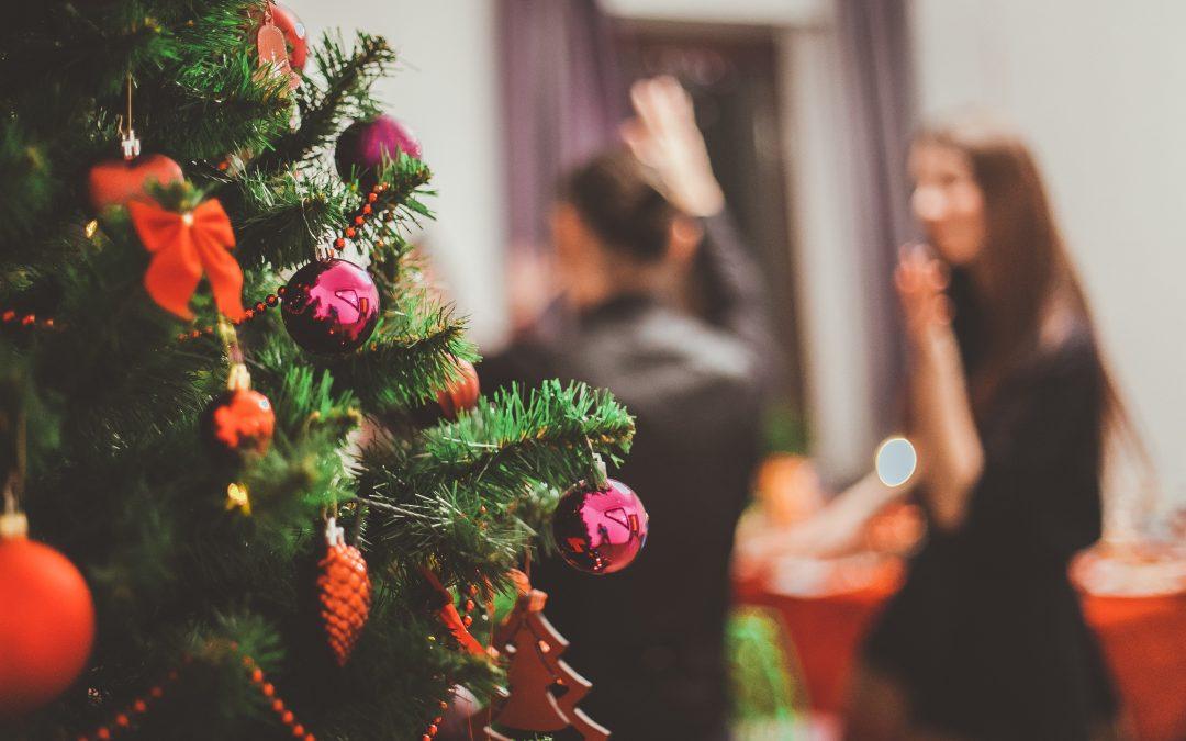Fiesta de Nochevieja: ideas de música, decoración y fotografía